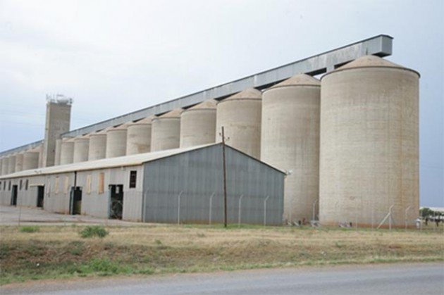 Silos tender row spills into court