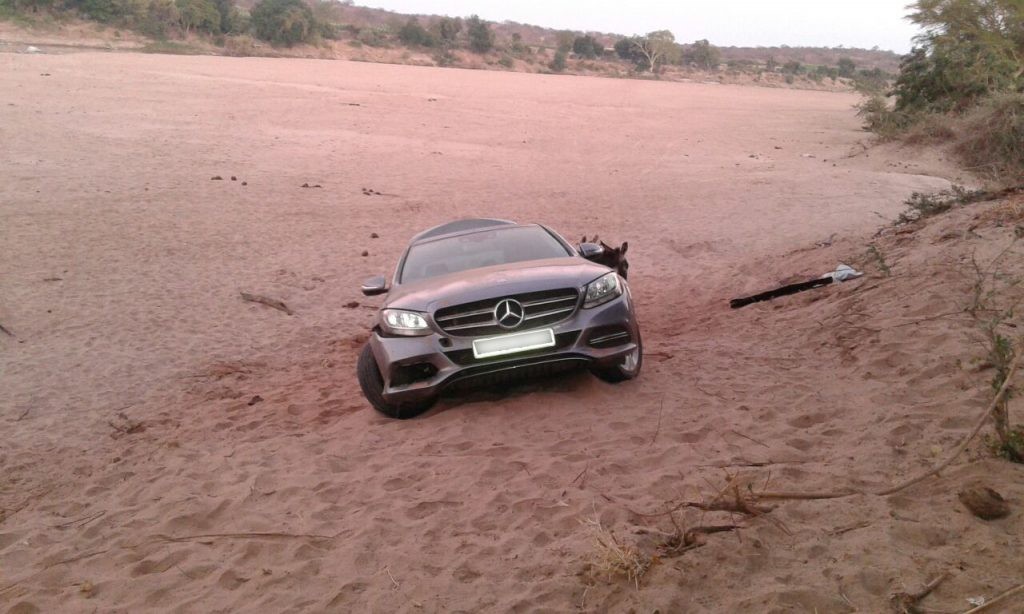 SA police recover another car being smuggled into Zim