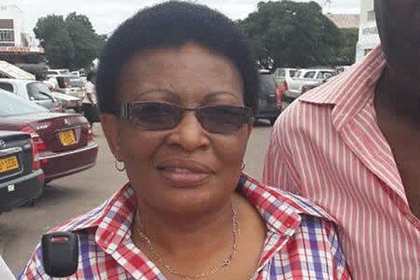 Tsvangirai suspends top aides