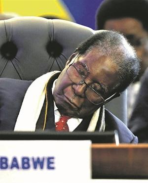 Mugabe should chastise South Africans, not Mandela
