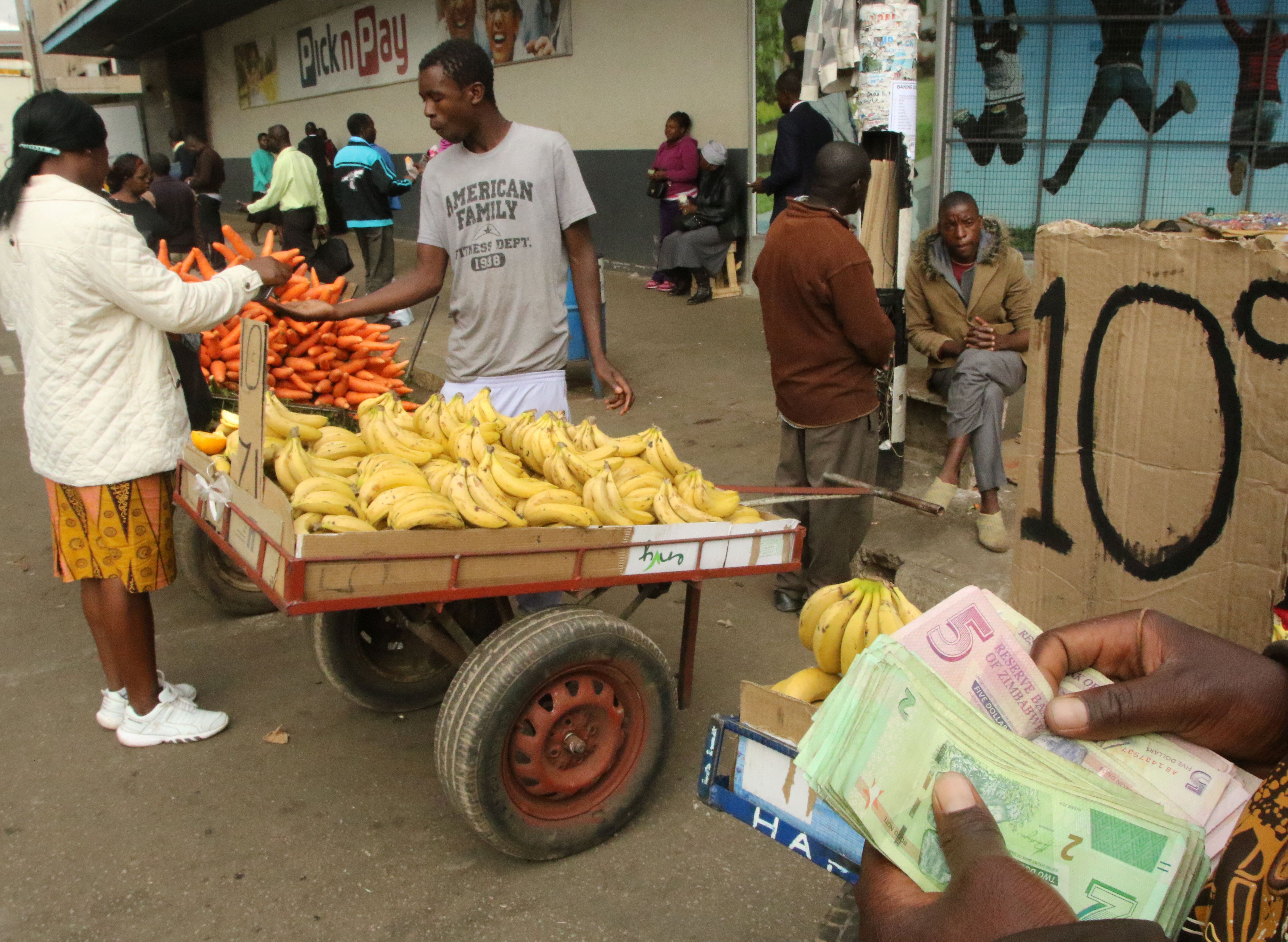 Vendors, forex dealers back in town