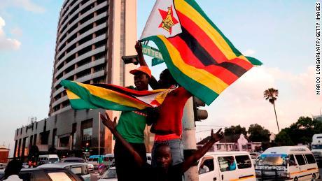 Celebrations in Zimbabwe as Mugabe resigns