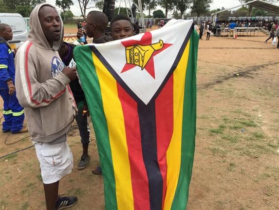 LIVE: Mugabe 'must go', says Botswana's Ian Khama