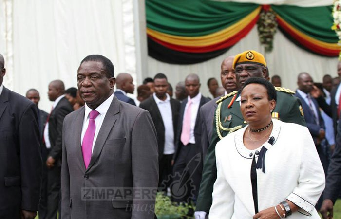 President Mnangagwa and First Lady Amai Auxillia arrive for the swearing-in ceremony.