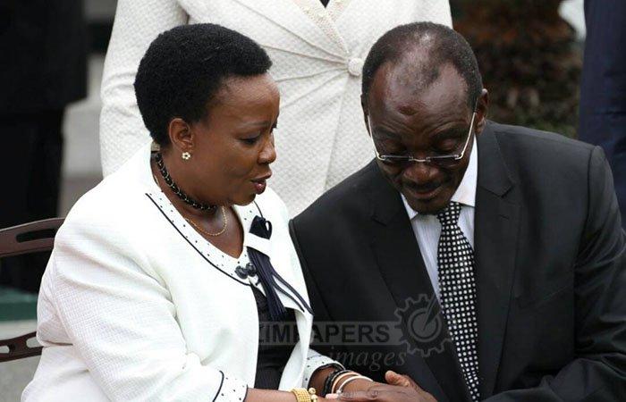 First Lady Amai Auxillia Mnangagwa congratulates Vice President Kembo Mohadi