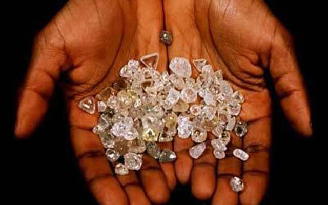 Diamonds theft suspects arrested