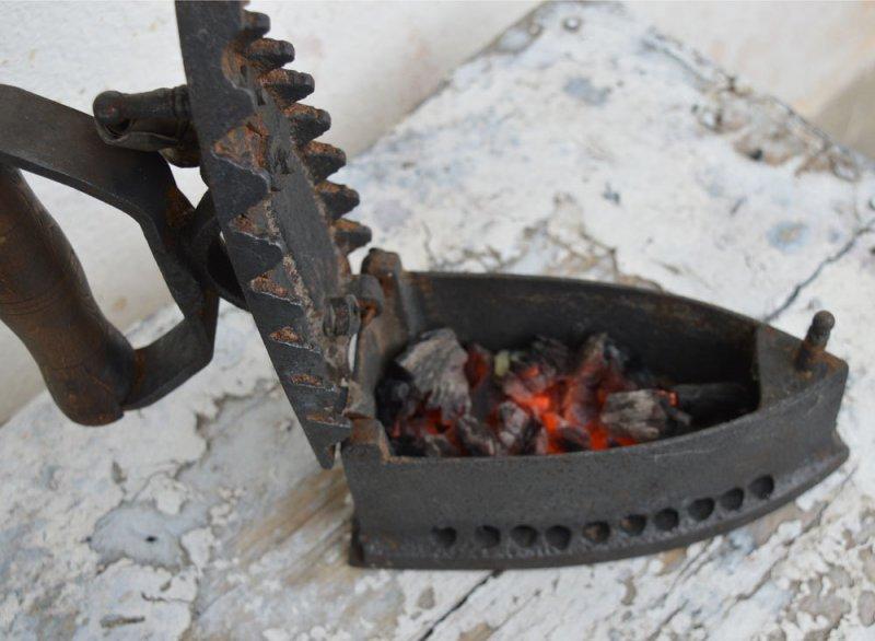 Charcoal Irons, Zvihuta, Other Zimbabwe Zhets And Bitcoin. The Zimbabwean Context To Bitcoin