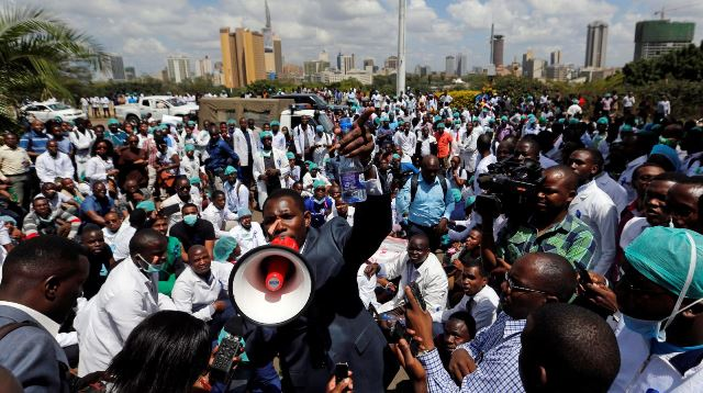 Patients' relatives join doctors' protest