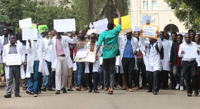Zim counting cost of doctors' strike