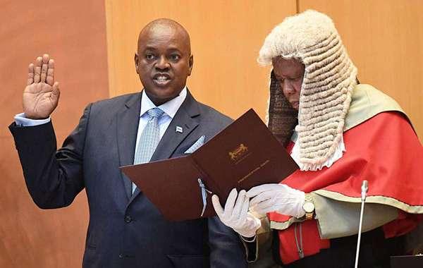 Masisi sworn in as Bots' 5th president