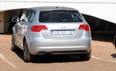 'Get vehicles without number plates off roads'