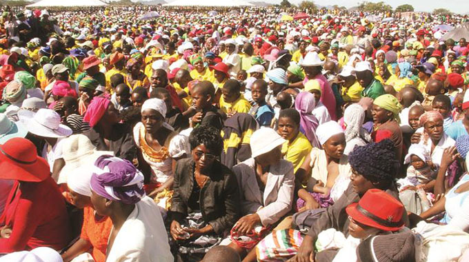 Zanu-PF pulling power on show: 35 000 welcome ED