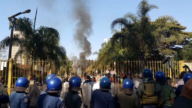 Zimbabwe: Three dead in Harare amid election unrest