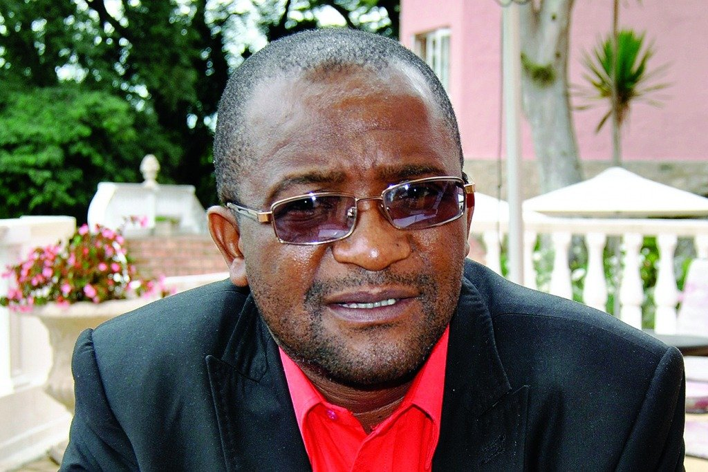 Mwonzora sues Zimpapers over Mugabe