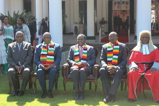 Zimbabwe's vice-presidents sworn in