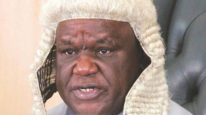 Parliament apologises to Chief Justice Malaba, Chigumba