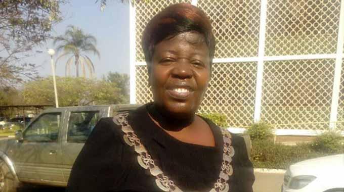 Kwekwe residents embrace new mayor