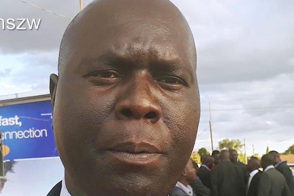 Mayor lifts lid on cholera