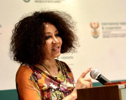 SA always ready to help Zimbabwe, but they have to ask, says Lindiwe Sisulu