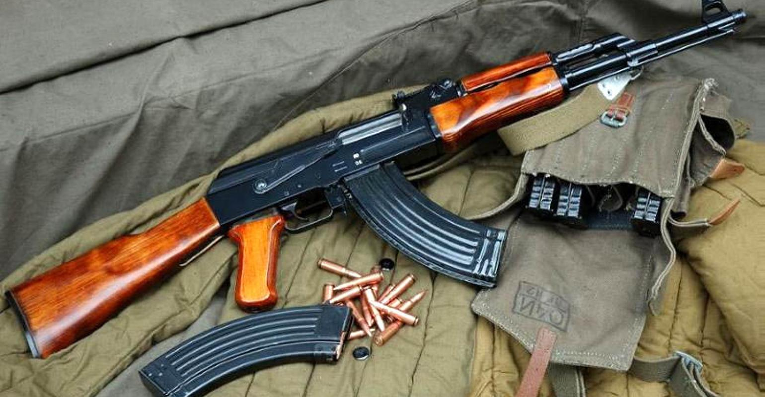 soldier supplies ak47 rifle ammunition to armed robbers zimbabwe