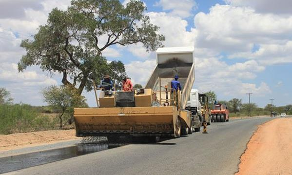 Local contractors to get mega projects - Zimbabwe Situation
