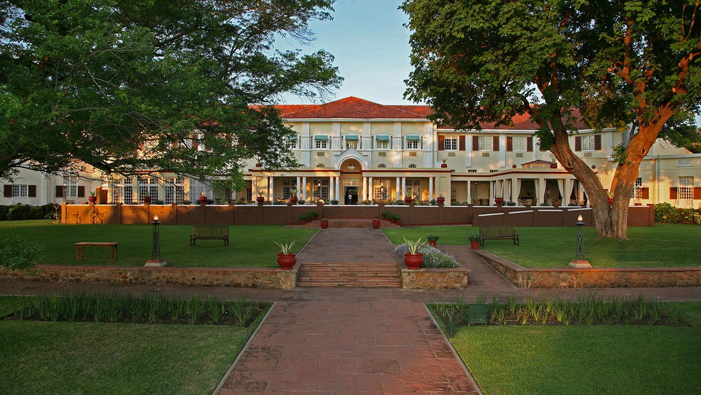 Victoria Fall Hotel