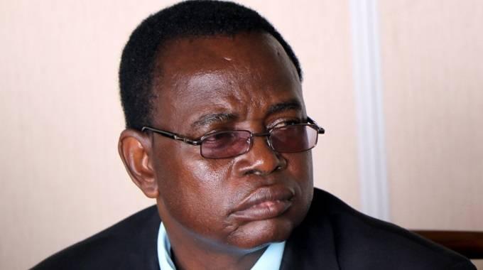 Town clerk, senior officials remove cap on salaries