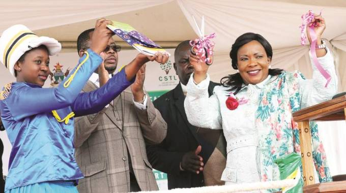 First Lady launches education model