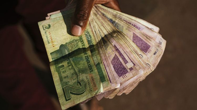 Editorial Comment: Govt must move to end cash crisis
