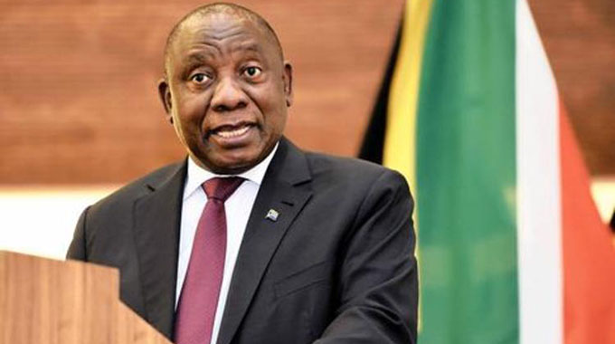 Ramaphosa hails Zim progress