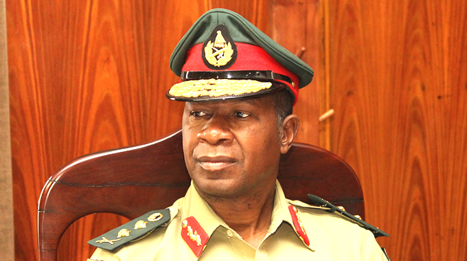Violent demos not the way: Gen Sibanda