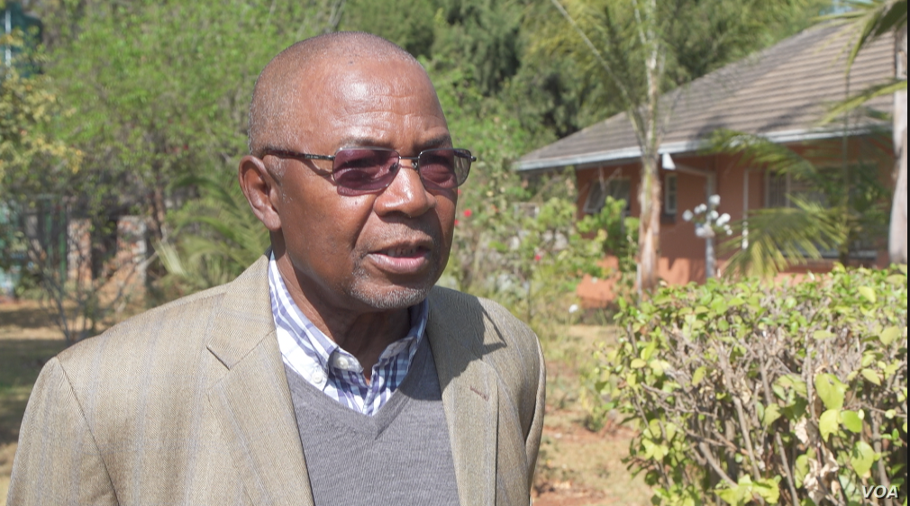 Daniel Ndlela, a former economics professor at the University of Zimbabwe, in Harare, says sanctions have little to do with Zimbabwe's economy. Aug. 21, 2019. (C. Mavhunga/VOA)