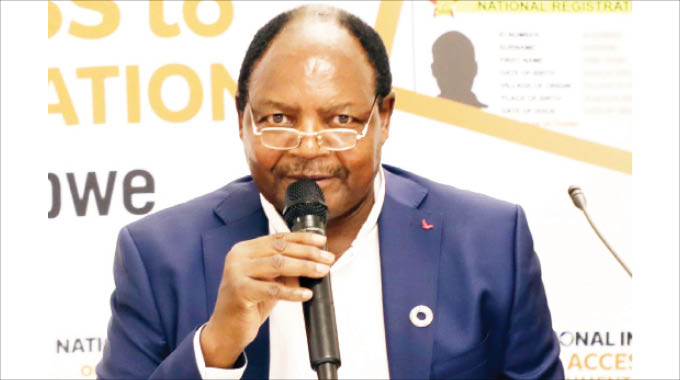 'Civil servants need retraining'
