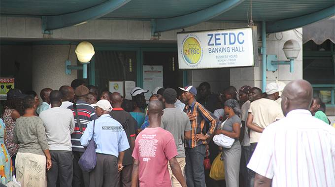 JUST IN: Chaos reigns at Zesa's Wynne Street
