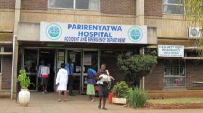 Stores controller fleeces Pari Hospital