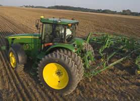 Govt, John Deere deal: 525 tractors expected soon