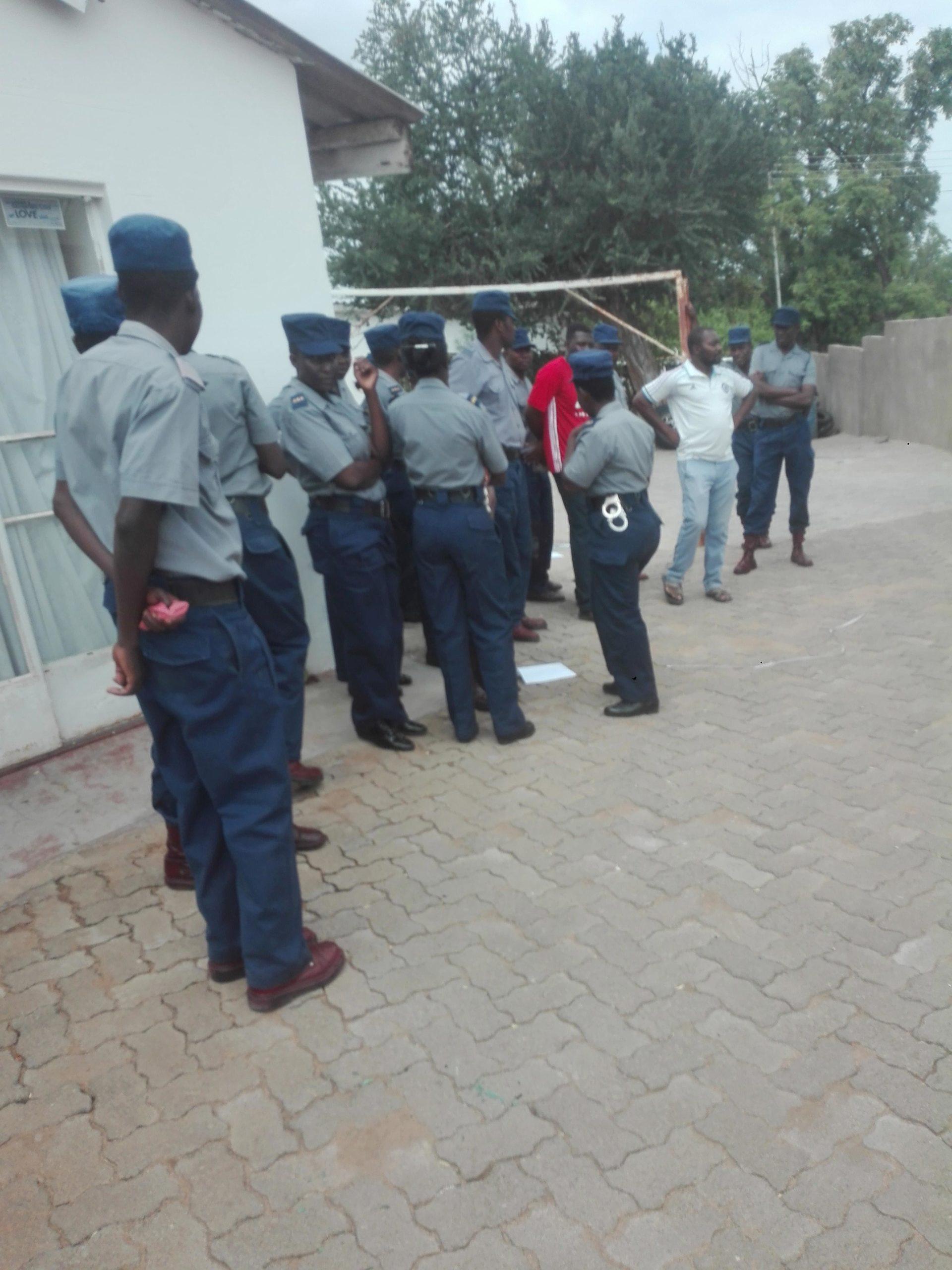 Police 'bedding' machete gangs