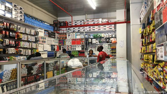 An electronic shop with traders (DW/P. Musvanhiri)