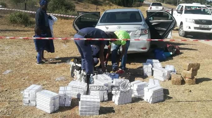 LOCKDOWN: SAPS arrest five for smuggling cigarettes thumbnail