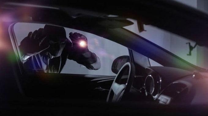 Thief steals car from fuel queue
