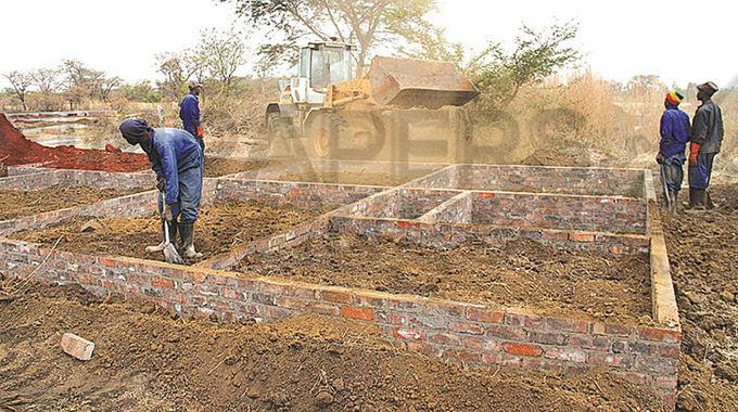 Govt rolls out 200 000 houses