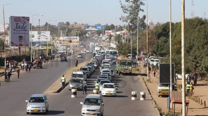 JUST IN: Police block traffic into Harare CBD