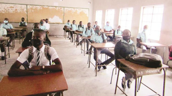 Govt puts 10 000 teachers on standby