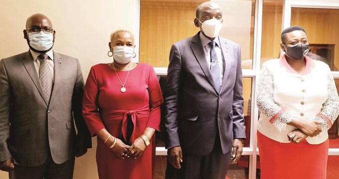 VP Mohadi sees off envoys