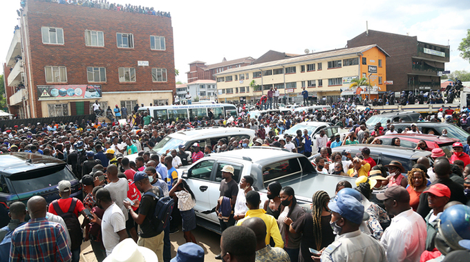 Thousands bid farewell to Ginimbi