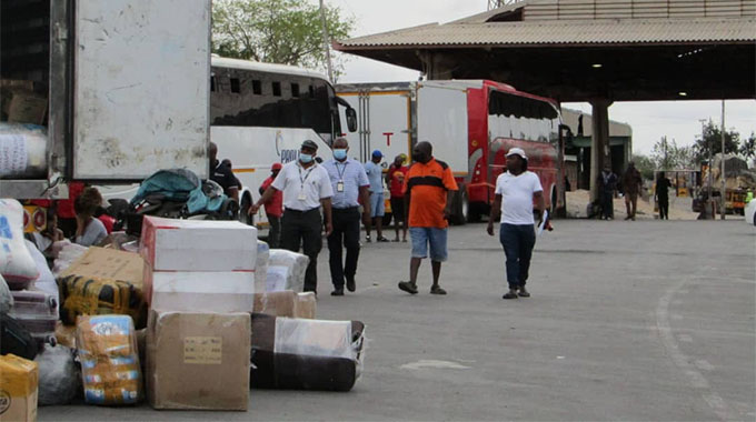 JUST IN: 366 Zimbabweans stranded at Beitbridge