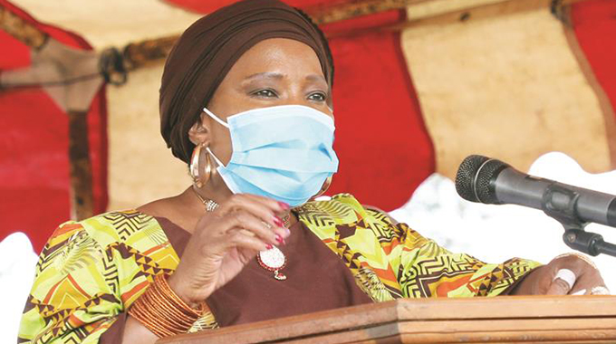 First Lady donates to homes in Mash East