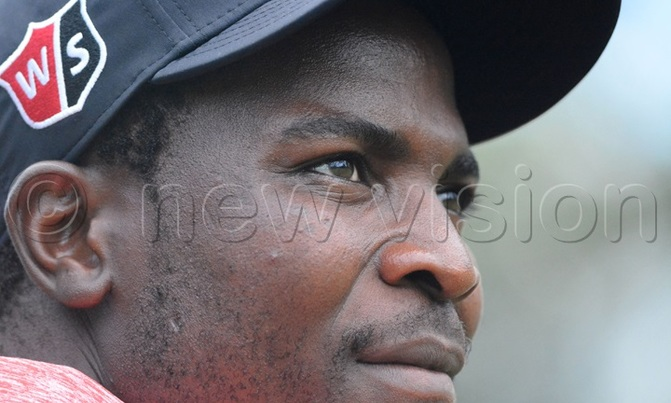Zimbabwe's Chinhoi stays clear at the pros open
