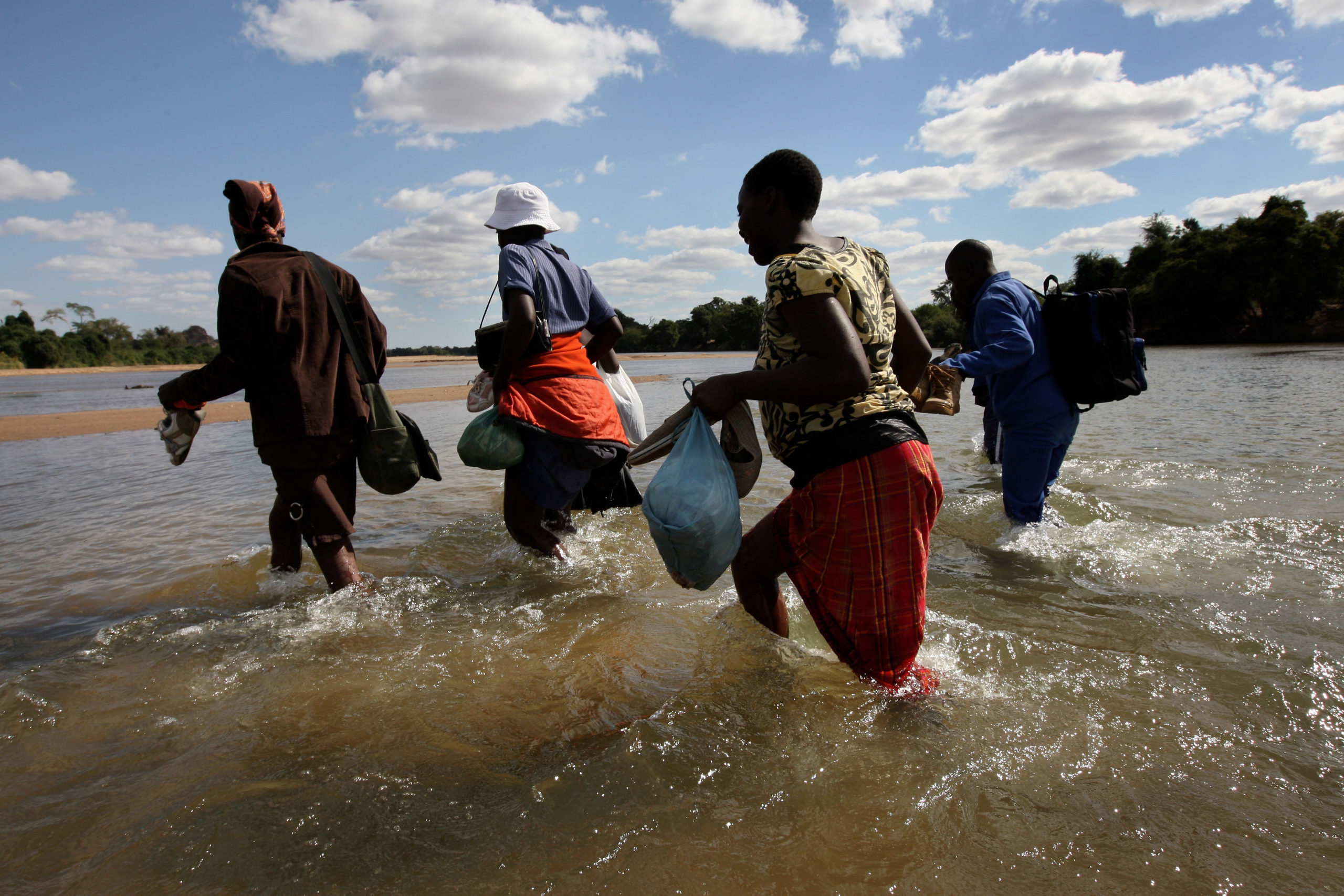 Hardships driving Zimbabweans to flee the country