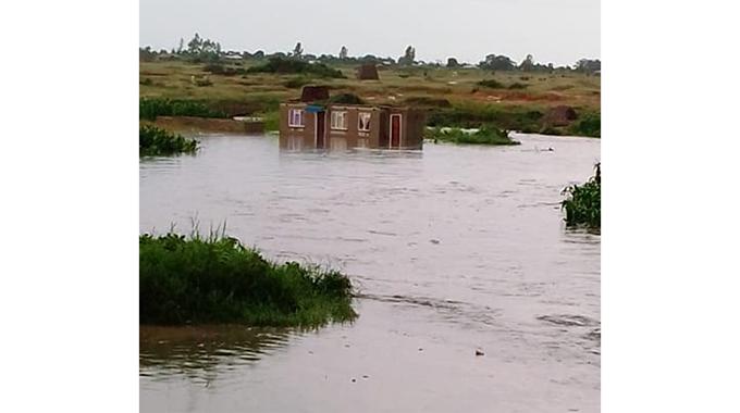 Rains pound, flood parts of Chitungwiza